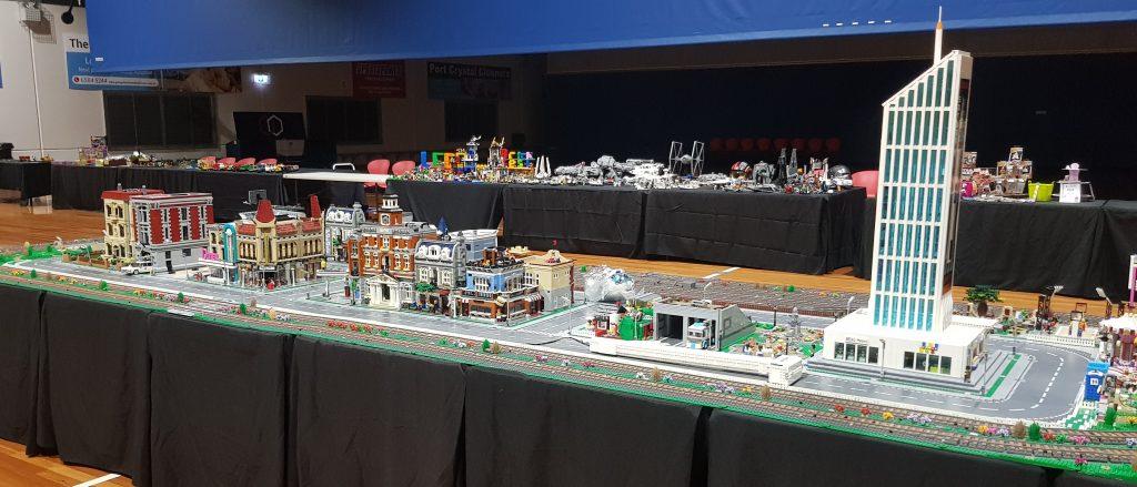 LEGO Rainbow Bricks City
