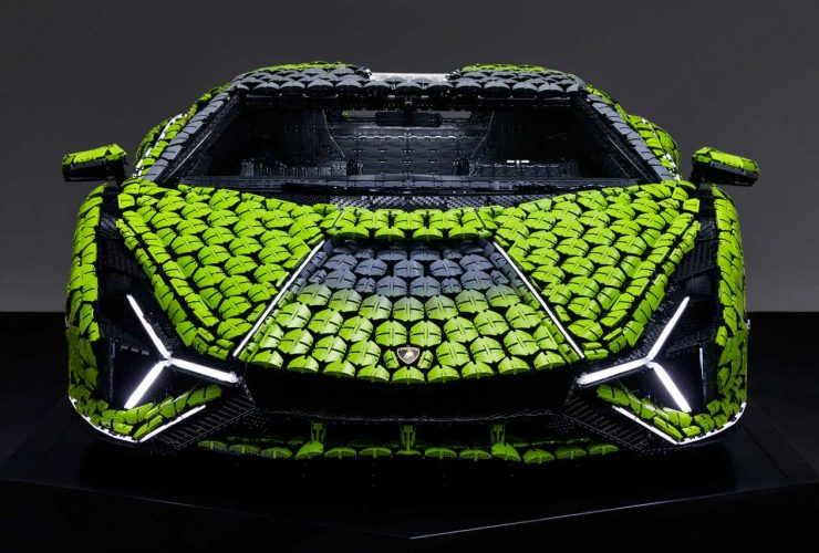 Life-size_LEGO_Technic_Lamborghini_Sian_FKP_37