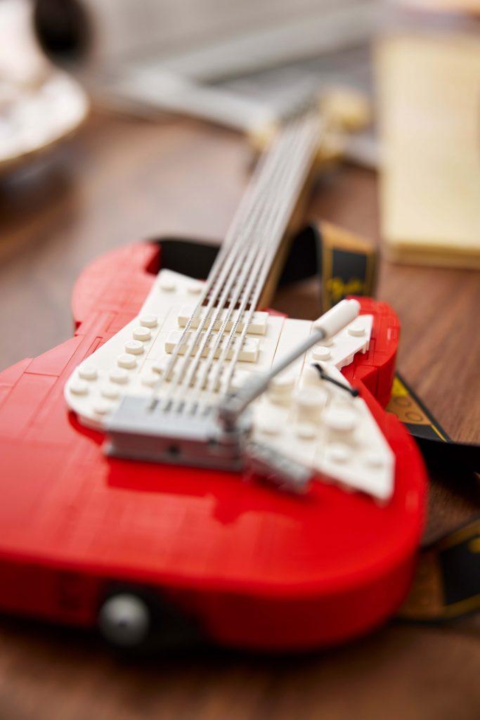 LEGO® Ideas Fender® Stratocaster™ [21329]